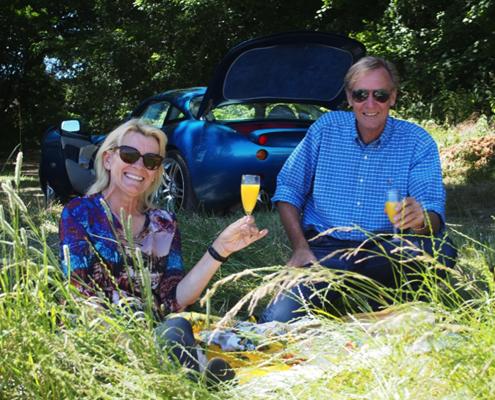 2-roadside-picnic-paray-le-monial
