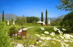 Tuscan monsignor-della-casa-07